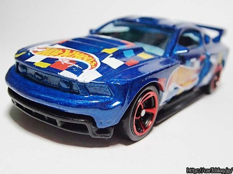 Hotwheels_CUSTOM_12_FORD_MUSTANG_09