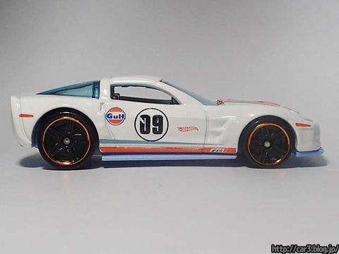 Hotwheels_2009_Corvette_ZR1_05