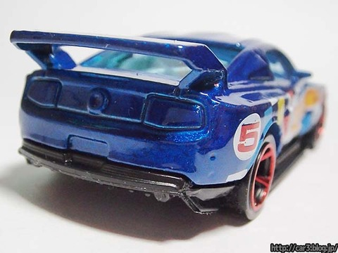 Hotwheels_CUSTOM_12_FORD_MUSTANG_10