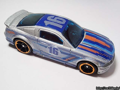 Hotwheels_2007_FORD_MUSTANG_05