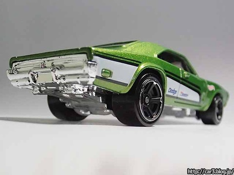 Hotwheels_1969_DODGE_CHARGER500_Green_05