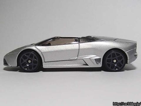 Hotwheels_Lamborghini_REVENTON_ROADSTER_09