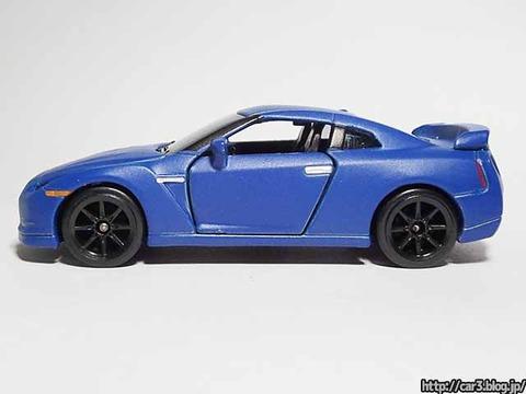 マジョレット日産GT-Rマットブルー_09