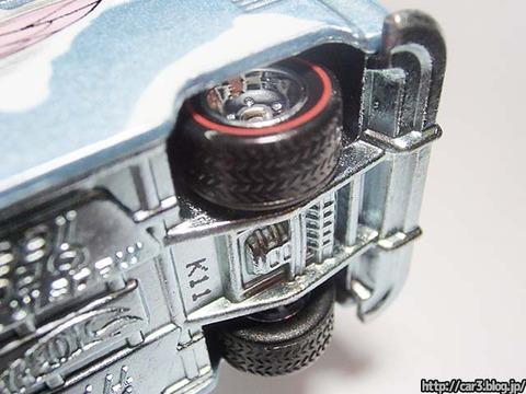 Hotwheels_Volkswagen_TI_Panel_Bus_12