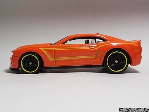 2013_Hotwheels_chevy_CAMARO_SPECIALEDITION_009