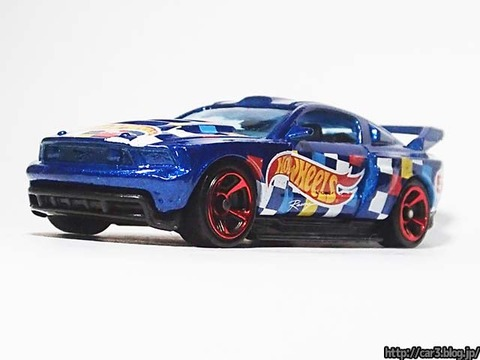 Hotwheels_CUSTOM_12_FORD_MUSTANG_03