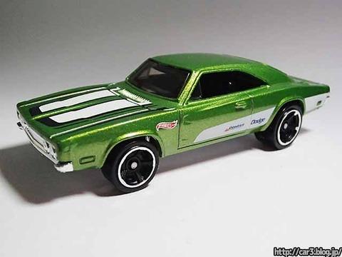 Hotwheels_1969_DODGE_CHARGER500_Green_02