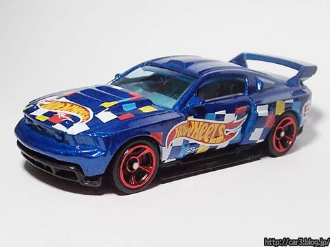 Hotwheels_CUSTOM_12_FORD_MUSTANG_01