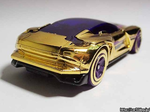 Hotwheels_GAZELLA_GT_Gold_011