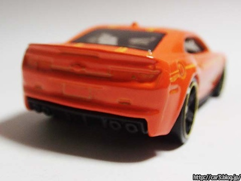 2013_Hotwheels_chevy_CAMARO_SPECIALEDITION_011