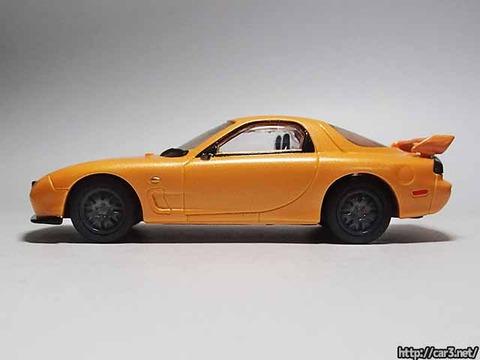 日本名車倶楽部7_RX-7FD3S_ロータリーエンジンの継承_F-toys_09