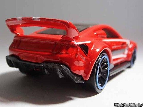Hotwheels_CUSTOM_2015_FORD_MUSTANG_11