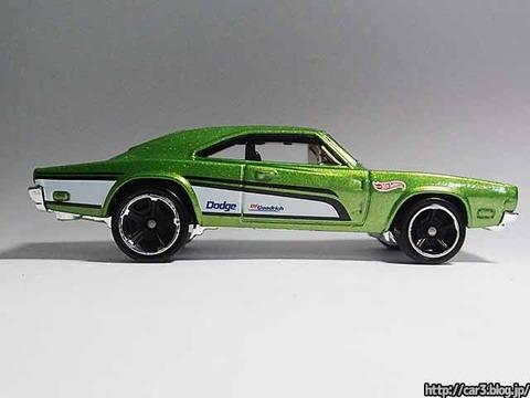 Hotwheels_1969_DODGE_CHARGER500_Green_08