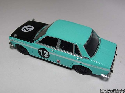 M2_Auto-Japan_1969Nissan_Bluebird_1600SSS_Sedan_07
