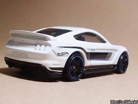 Hotwheels_Ford_shelby_GT350R_03