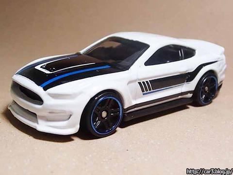 Hotwheels_Ford_shelby_GT350R_02