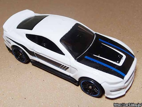 Hotwheels_Ford_shelby_GT350R_06
