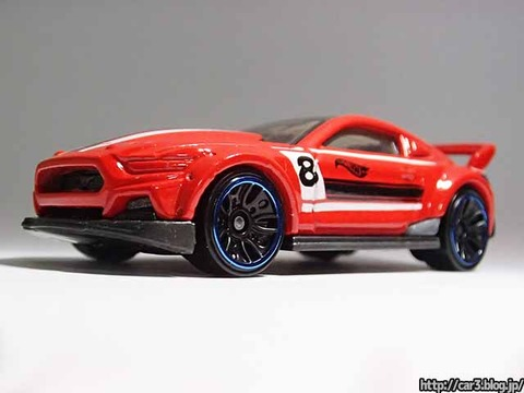 Hotwheels_CUSTOM_2015_FORD_MUSTANG_04