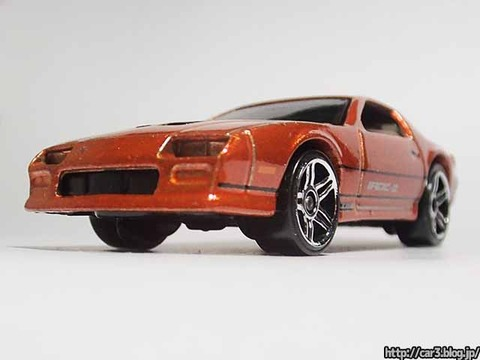 Hotwheels_1985CAMARO_IROC-Z_orange_04