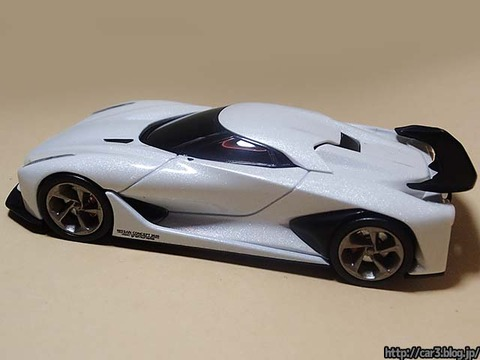 TOMICA_LIMITED_NISSAN_CONCEPT_2020_Vision_Gran_Turismo_08