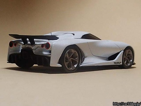 TOMICA_LIMITED_NISSAN_CONCEPT_2020_Vision_Gran_Turismo_10