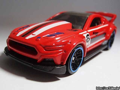 Hotwheels_CUSTOM_2015_FORD_MUSTANG_10