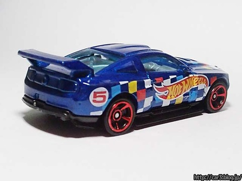 Hotwheels_CUSTOM_12_FORD_MUSTANG_02