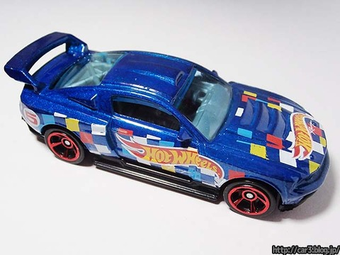 Hotwheels_CUSTOM_12_FORD_MUSTANG_05