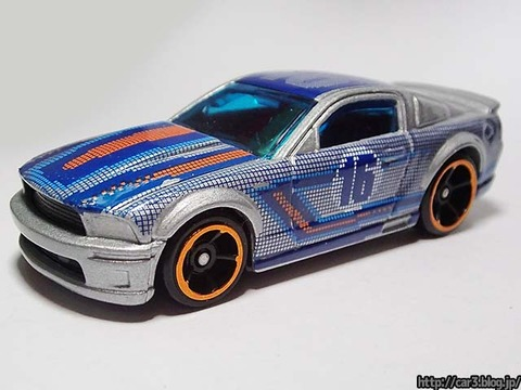 Hotwheels_2007_FORD_MUSTANG_01
