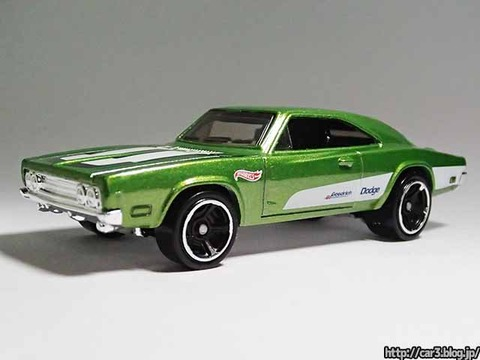 Hotwheels_1969_DODGE_CHARGER500_Green_01