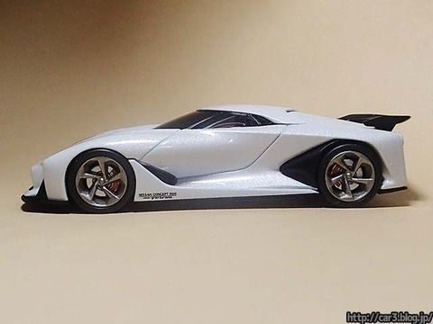 TOMICA_LIMITED_NISSAN_CONCEPT_2020_Vision_Gran_Turismo_06