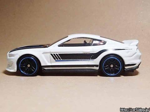 Hotwheels_Ford_shelby_GT350R_09