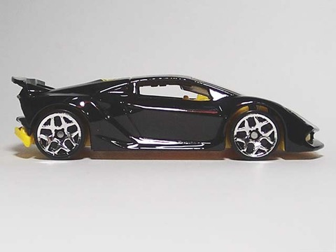 Hotwheels_Lamborghini_SESTO_ELEMENT_08