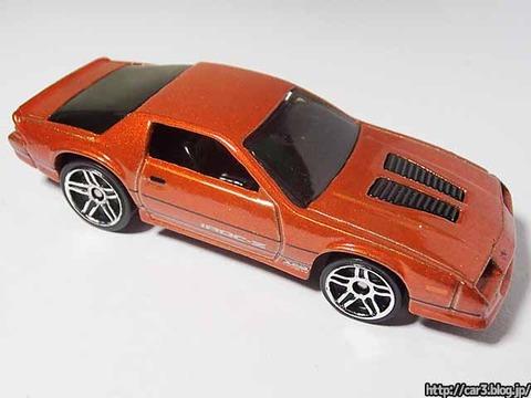 Hotwheels_1985CAMARO_IROC-Z_orange_06