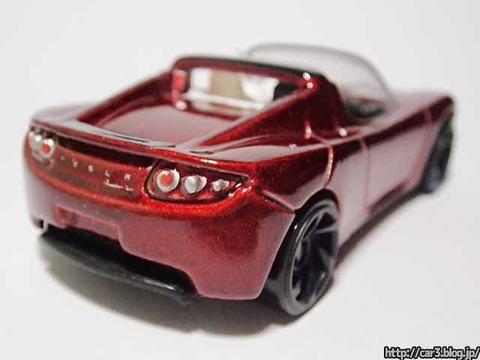 Hotwheels_TESRA_ROADSTER_WITH_STARMAN_11