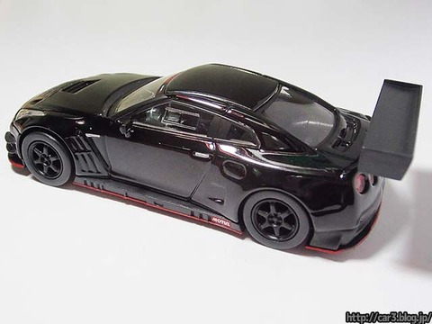 kyosho_NISSAN_GT-R_NISMO_GT3_10