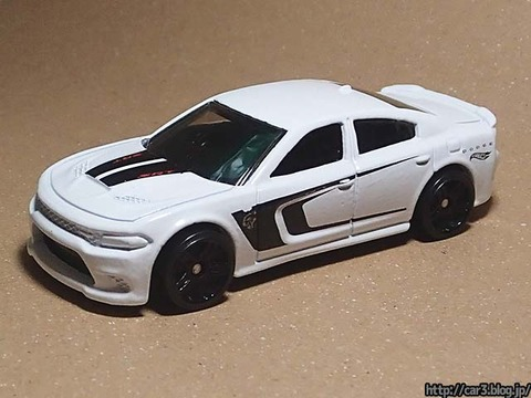 Hotwheels_2015_DODGE_CHARGER_SRT_01
