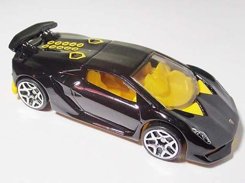 Hotwheels_Lamborghini_SESTO_ELEMENT_06