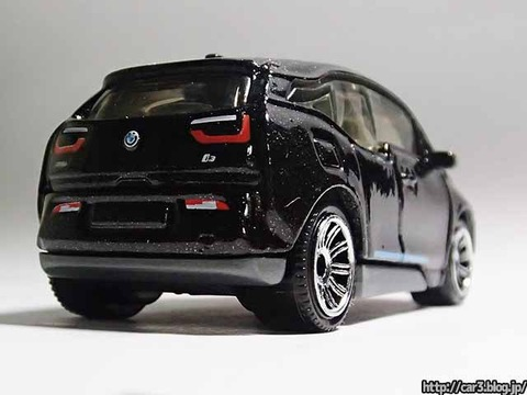 MATCHBOX_BMW_i3_05