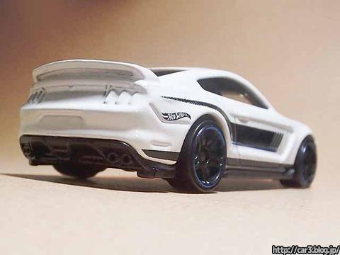 Hotwheels_Ford_shelby_GT350R_05