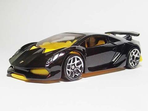 Hotwheels_Lamborghini_SESTO_ELEMENT_02