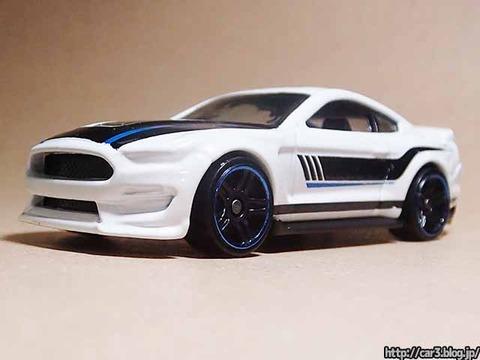 Hotwheels_Ford_shelby_GT350R_04