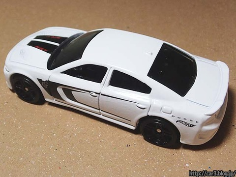 Hotwheels_2015_DODGE_CHARGER_SRT_07