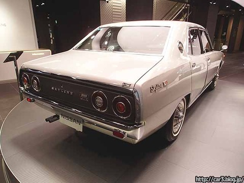 日産スカイライン_SKYLINE_2000GT-X-1973_GC110_08