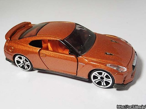 トミカ改造日産GT-R【R35】_06