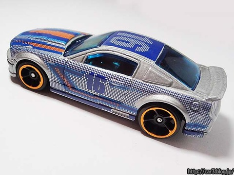 Hotwheels_2007_FORD_MUSTANG_06