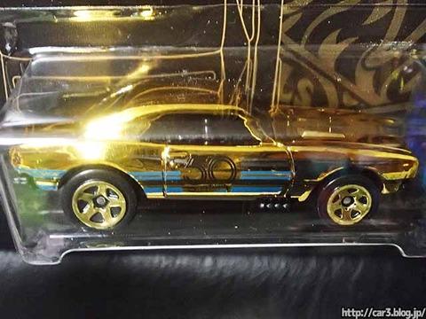 ローソン限定発売ホットウィール50周年ゴールド&ブラック金カマロ01