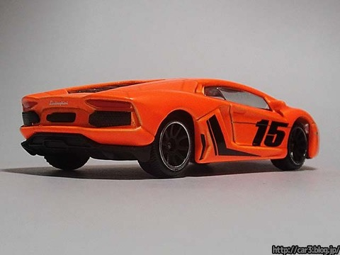 majorette_Lamborghini_Aventador_04