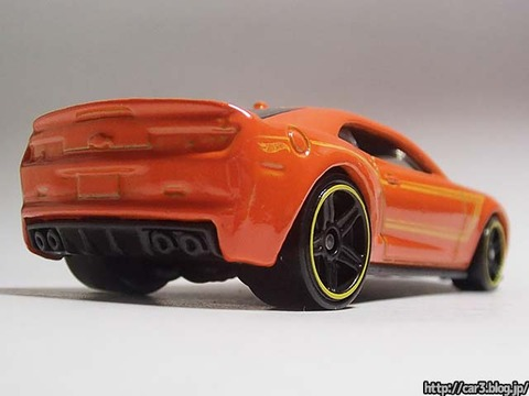 2013_Hotwheels_chevy_CAMARO_SPECIALEDITION_005