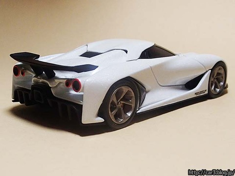 TOMICA_LIMITED_NISSAN_CONCEPT_2020_Vision_Gran_Turismo_02